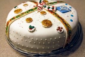 holiday fondant cake